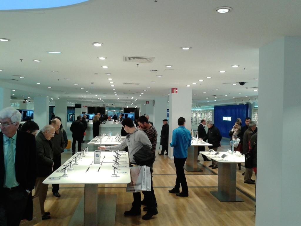 La primera macrotienda de Samsung en España (2)