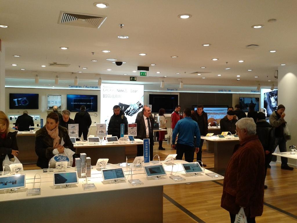 La primera macrotienda de Samsung en España (3)