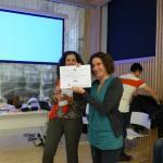 Las vacas purpuras con su diploma - Elke Ibilbi