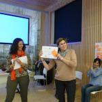 Las vacas purpuras con su diploma - Susana Restaurante Lasa