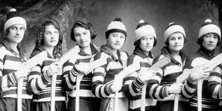 Teamwork - girls ice hockey team 1921