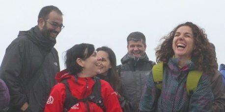 Feliz cumpleaños en la cima del Preikestolen (Noruega)
